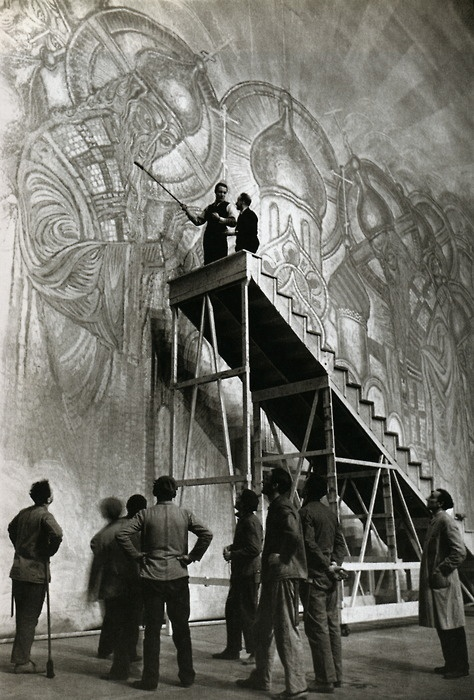 Nicola Benoit at work on a backdrop for a Rimski-Korsakov opera at La Scala