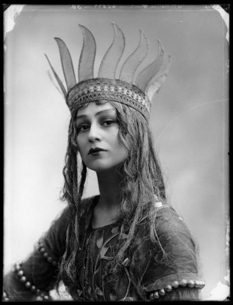 Christine Silver en Titania, 1913 (Portrait Gallery)